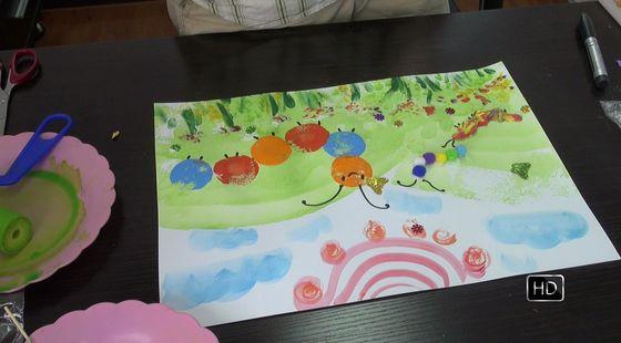 小班美术活动《开心的毛毛虫》 (9.9元/月)图片